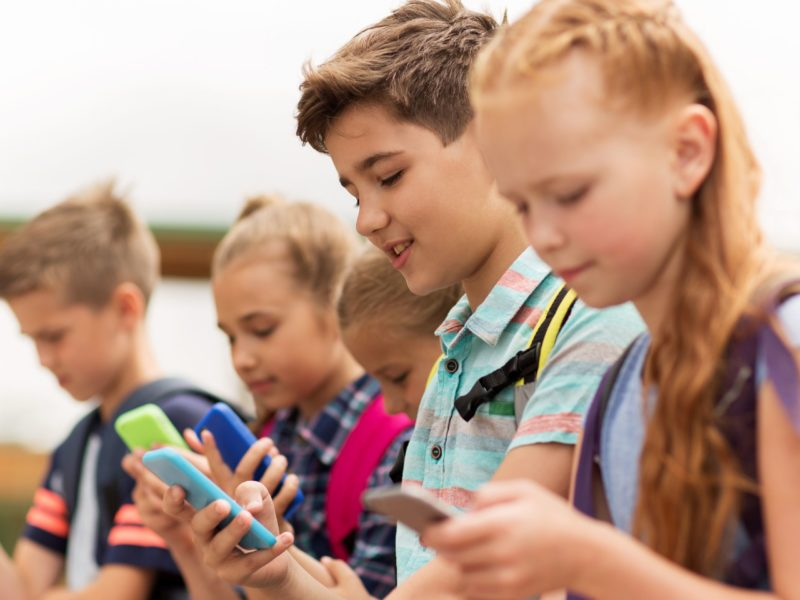 Kids' screen time tied to poor health, says American Heart Association