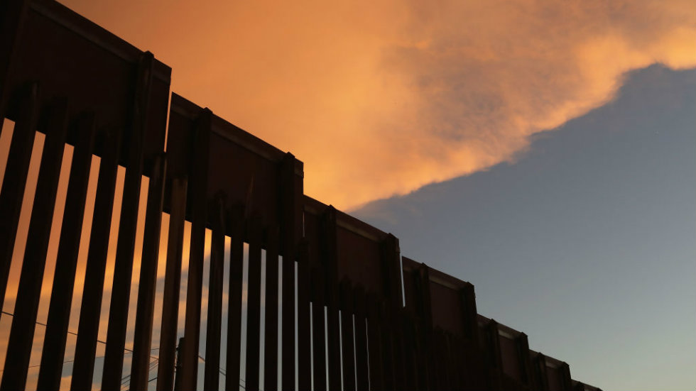 Poll: Americans want lame-duck Congress to focus on border security, health care