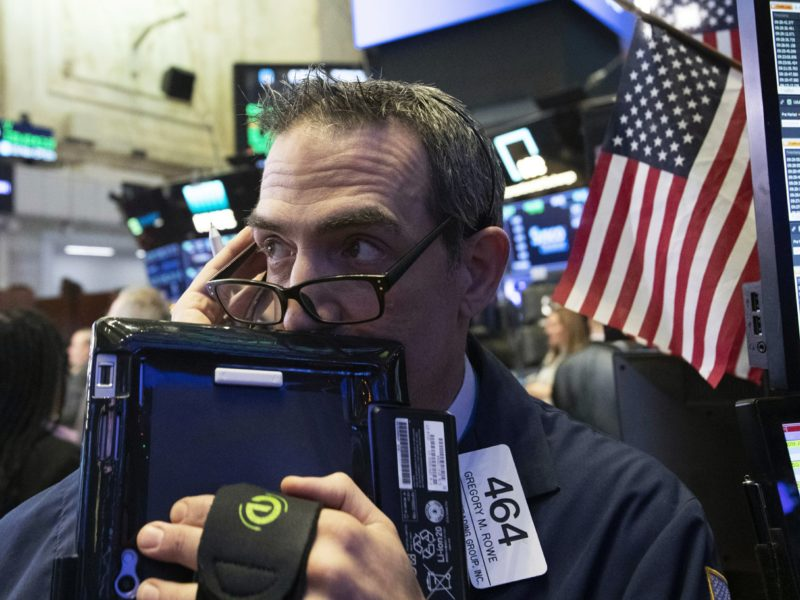 US stocks drop to a 14-month low as tech, health care drop