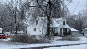 Winter Storm Harper: Thousand of Flights Canceled, Hundreds of Crashes, 6 Dead