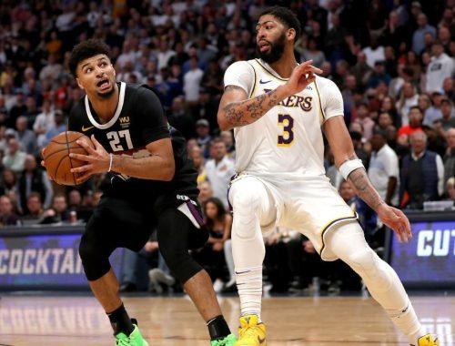 Lakers' Anthony Davis has 'monster game' despite needing IV at half