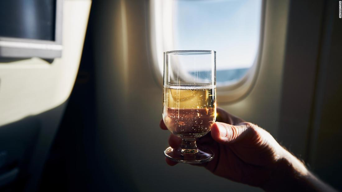 Airlines ban alcohol on planes in response to Covid-19