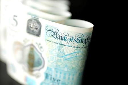 BUZZ-COMMENT-BoE's negative-rates option is a millstone around the neck of GBP bulls