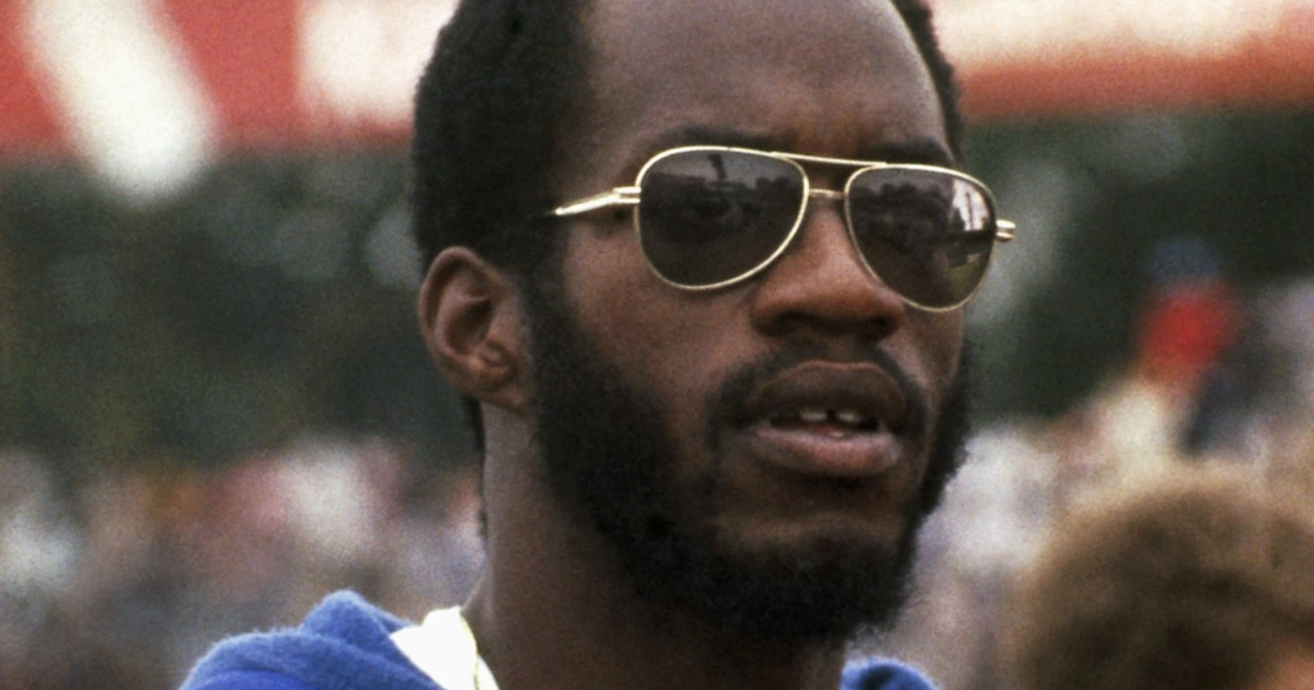 This day in sports: Edwin Moses sets world record in 1976