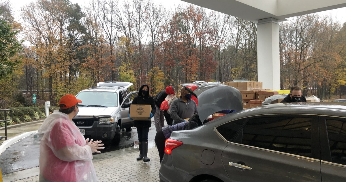 Drive-thru food giveaway in Newport News supports hospitality, tourism employees impacted by pandemic