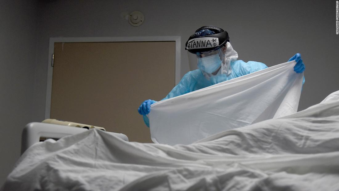 US Coronavirus: As US inches closer to 350,000 Covid-19 deaths, one model projects about 115,000 more could die in next four weeks